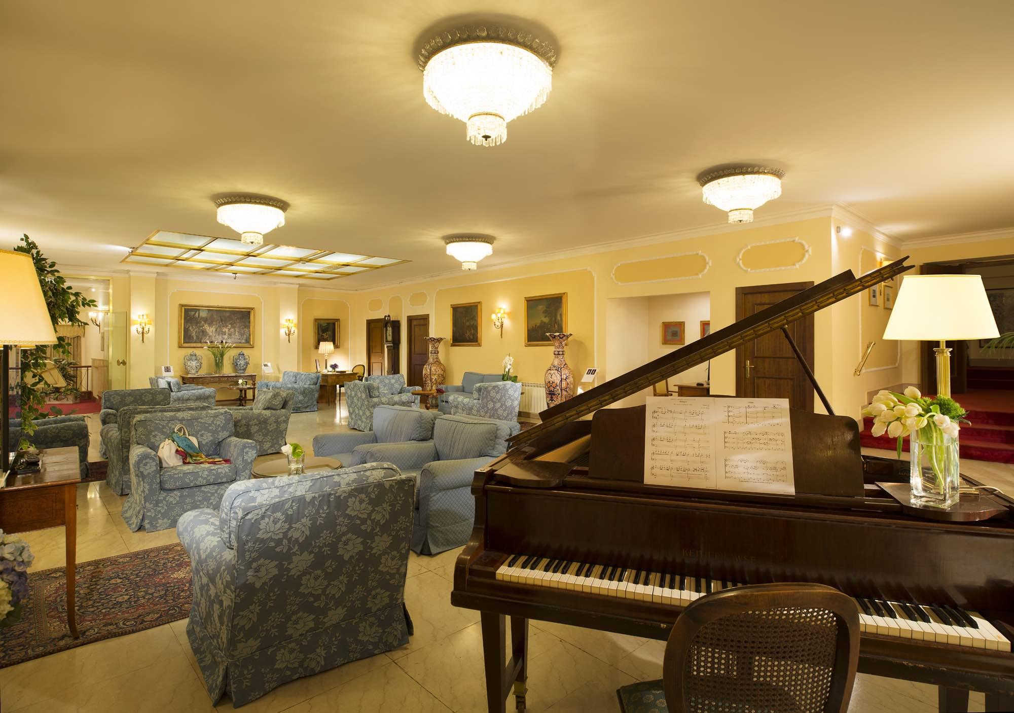 Napoleon Hotel - 2