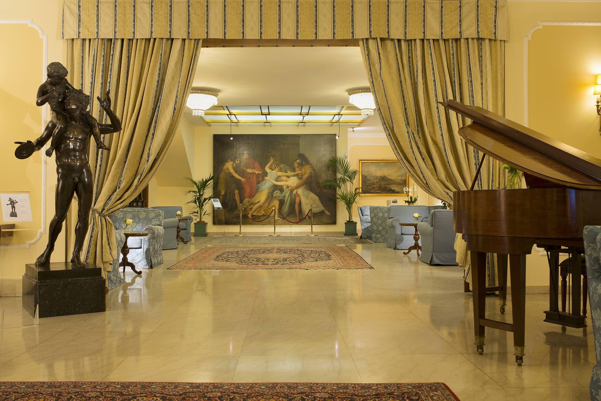 Napoleon Hotel - 4