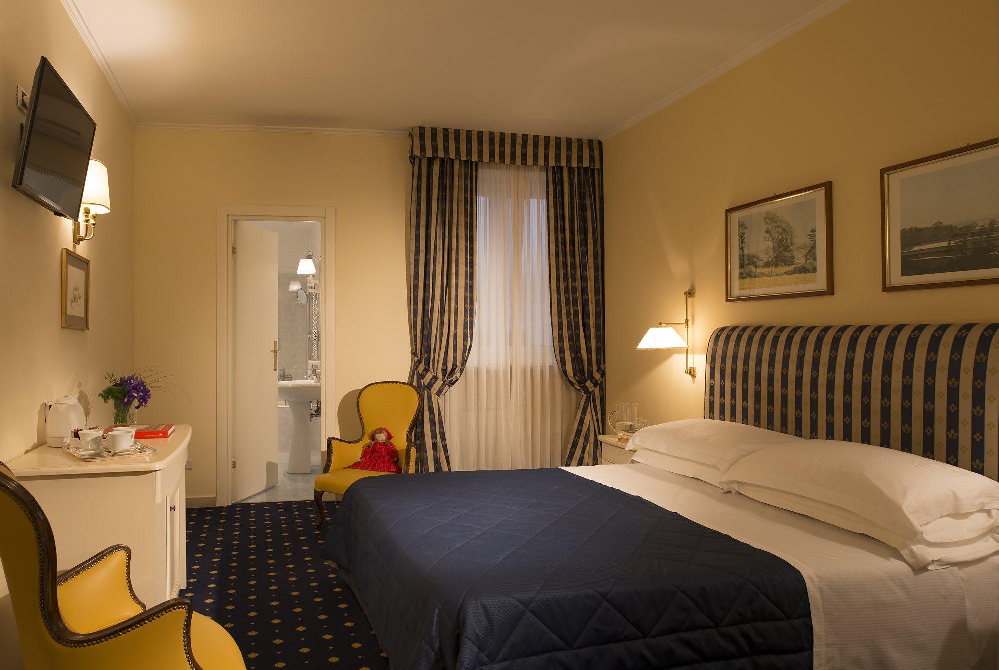 Napoleon Hotel - 6