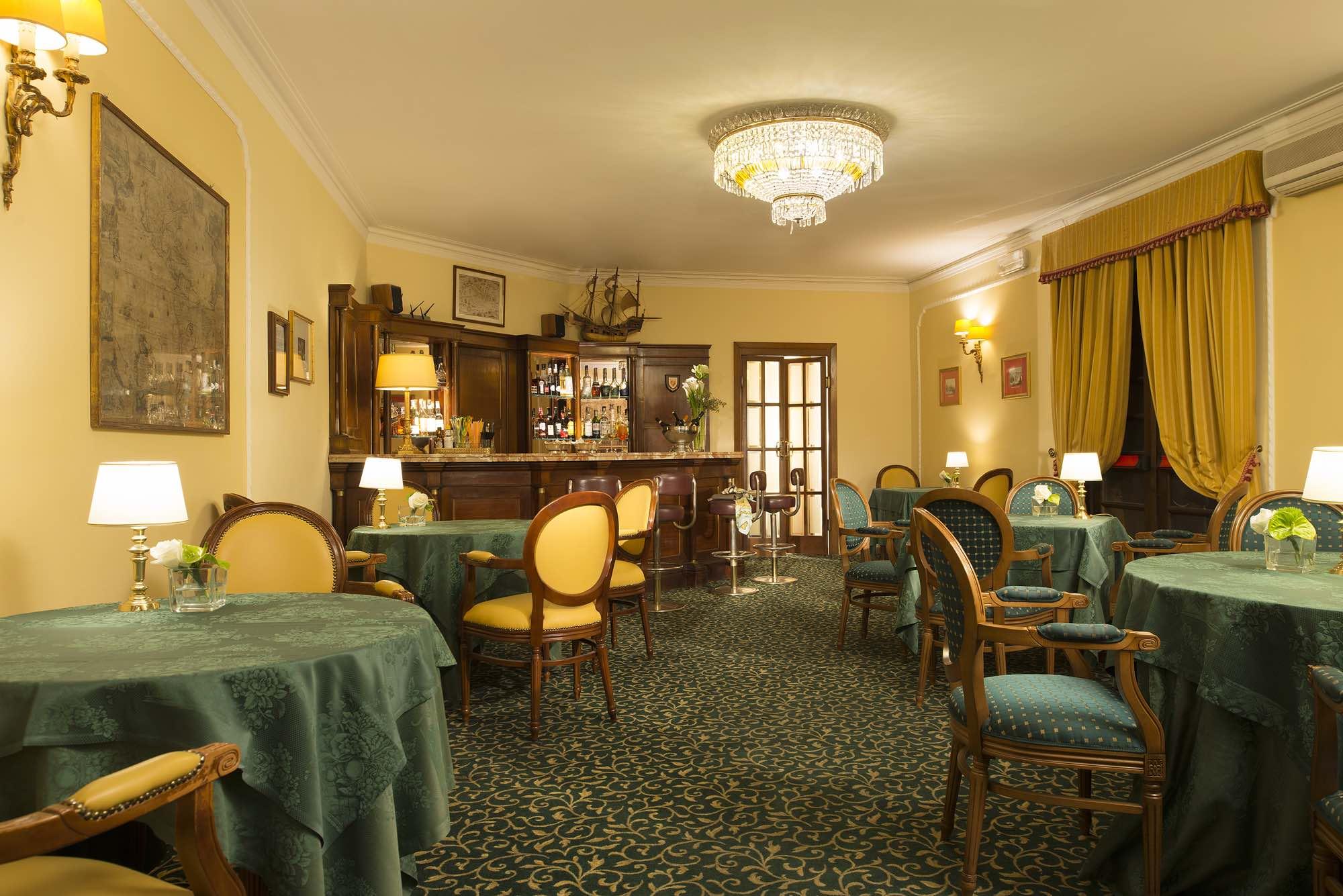 Napoleon Hotel - 9